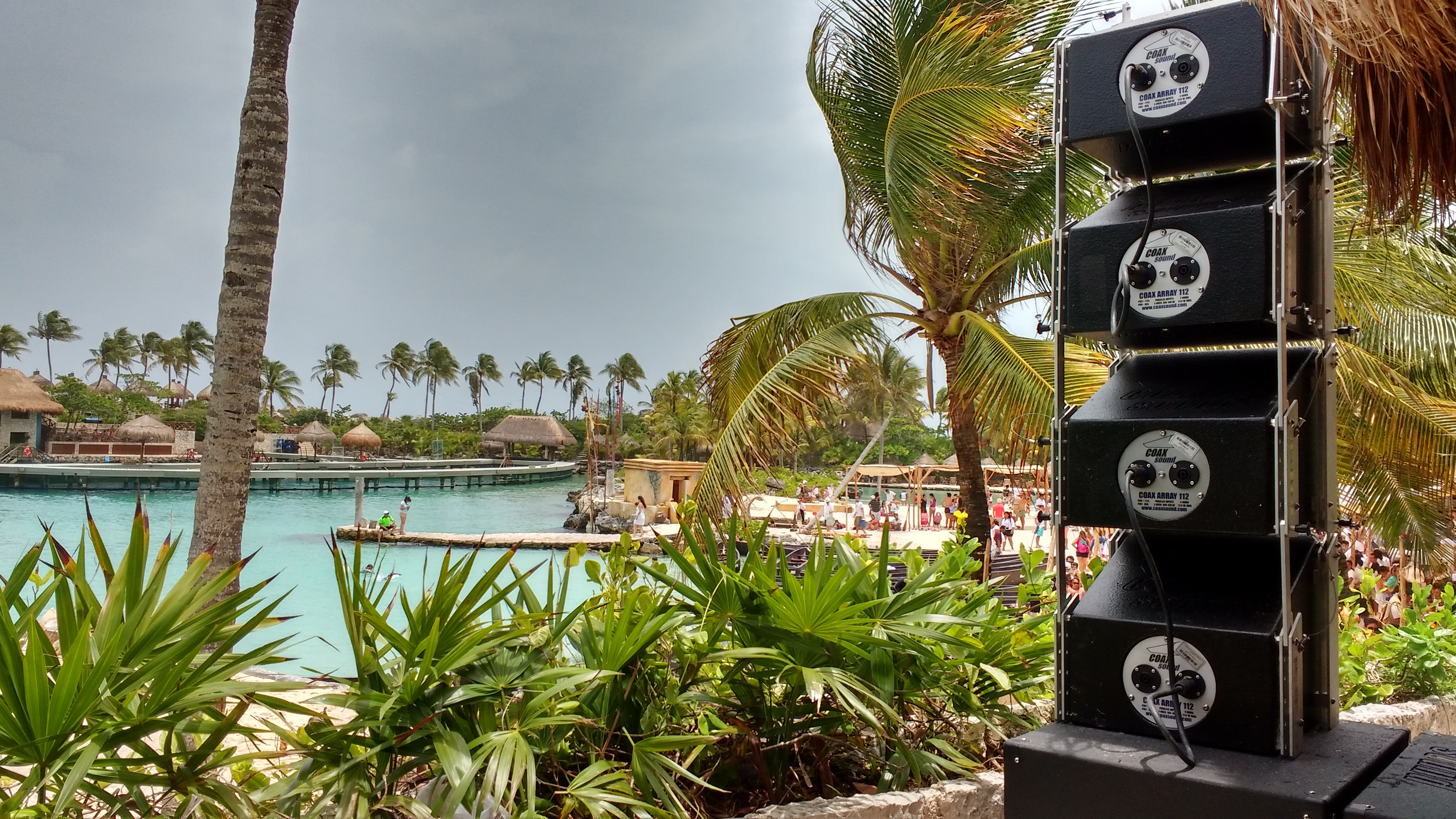 VISTA TRASERA COAX ARRAY 112 EN XCARET
